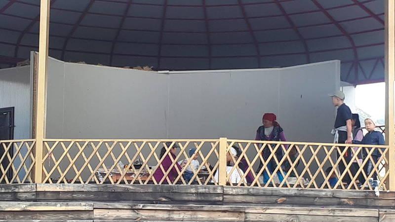 Адилет недоволен состоянием «Хан-Ордо» на джайлоо Кырчын, где проходили Игры кочевников: Люди чуть ли не тои проводят