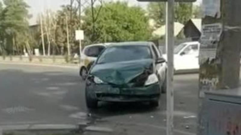 ДТП на ул.Профсоюзной с участием трех авто. Видео с места аварии