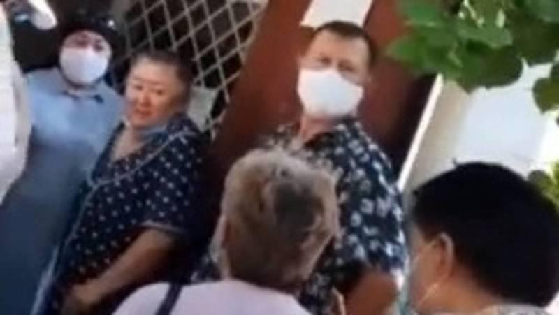 Жительница Токмока жалуется на огромные очереди в паспортном столе. Видео