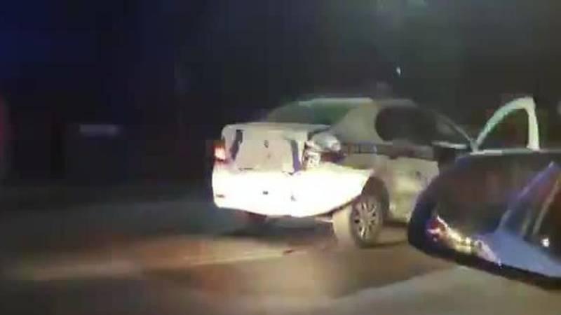 В Бишкеке произошло ДТП с участием патрульной машины. Видео с места аварии