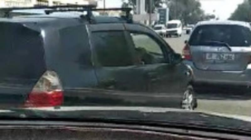 «Хонда Фит» проехала по встречной в Военно-Антоновке. Видео