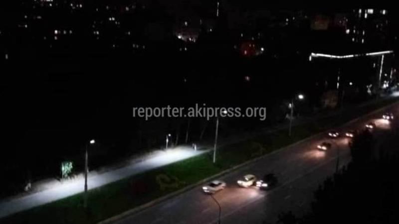 Требуется капремонт, - ответ мэрии Бишкека, почему на участке велодорожки по ул.Абдрахманова нет столбов освещения