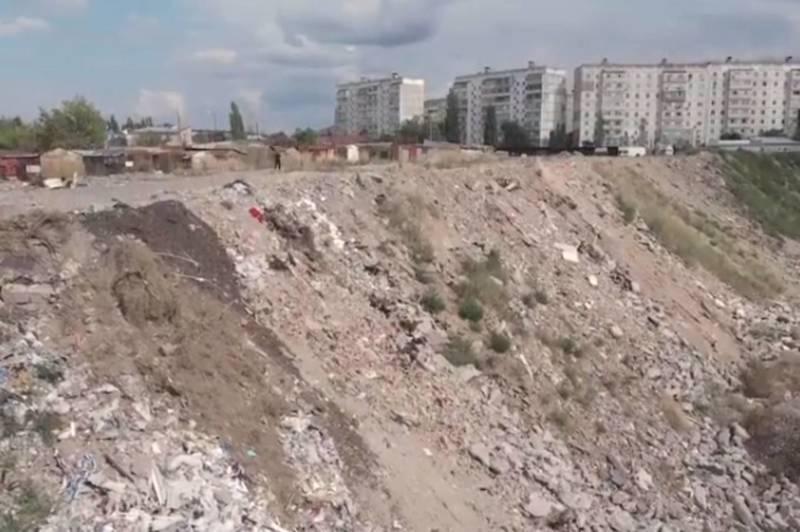 Жители южных микрорайонов Бишкека ощущают странный запах гари