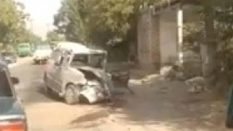 В Ошской области портер столкнулся с легковушкой. Видео с места аварии