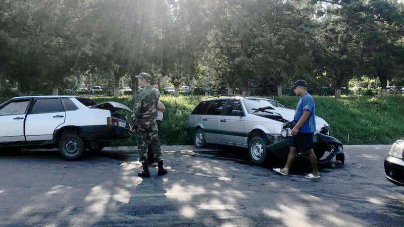 На ул.Валиханова столкнулись «Фольксваген» и «Лада»