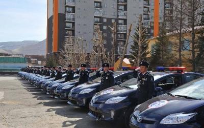 ASEM cars go to Mongolian police_700