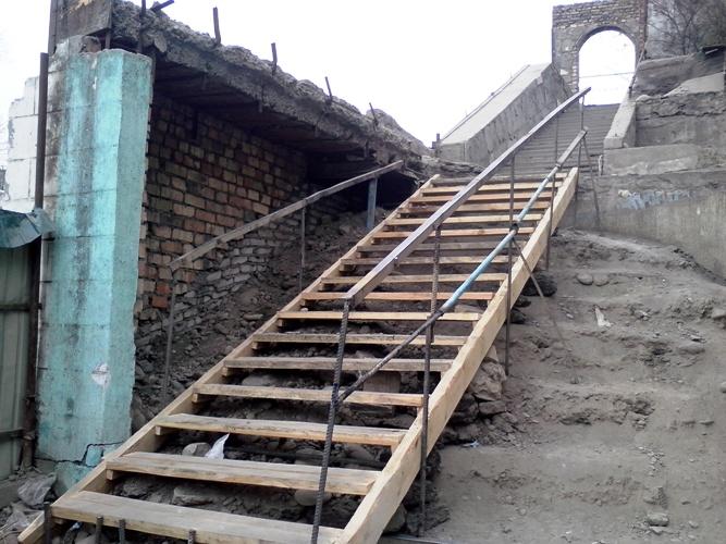 Лестница на склоне своими руками фото