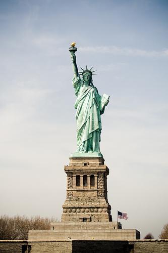 Статуя-свободы-в-Нью-Йорке