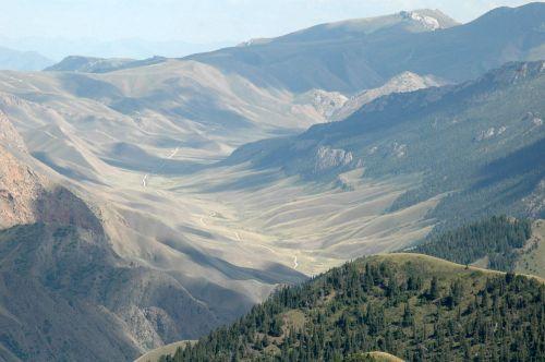 43 Вид с перевал, 32 серпантина в устье озера Сон-Куль, Каратал-Жапырыкский заповедник