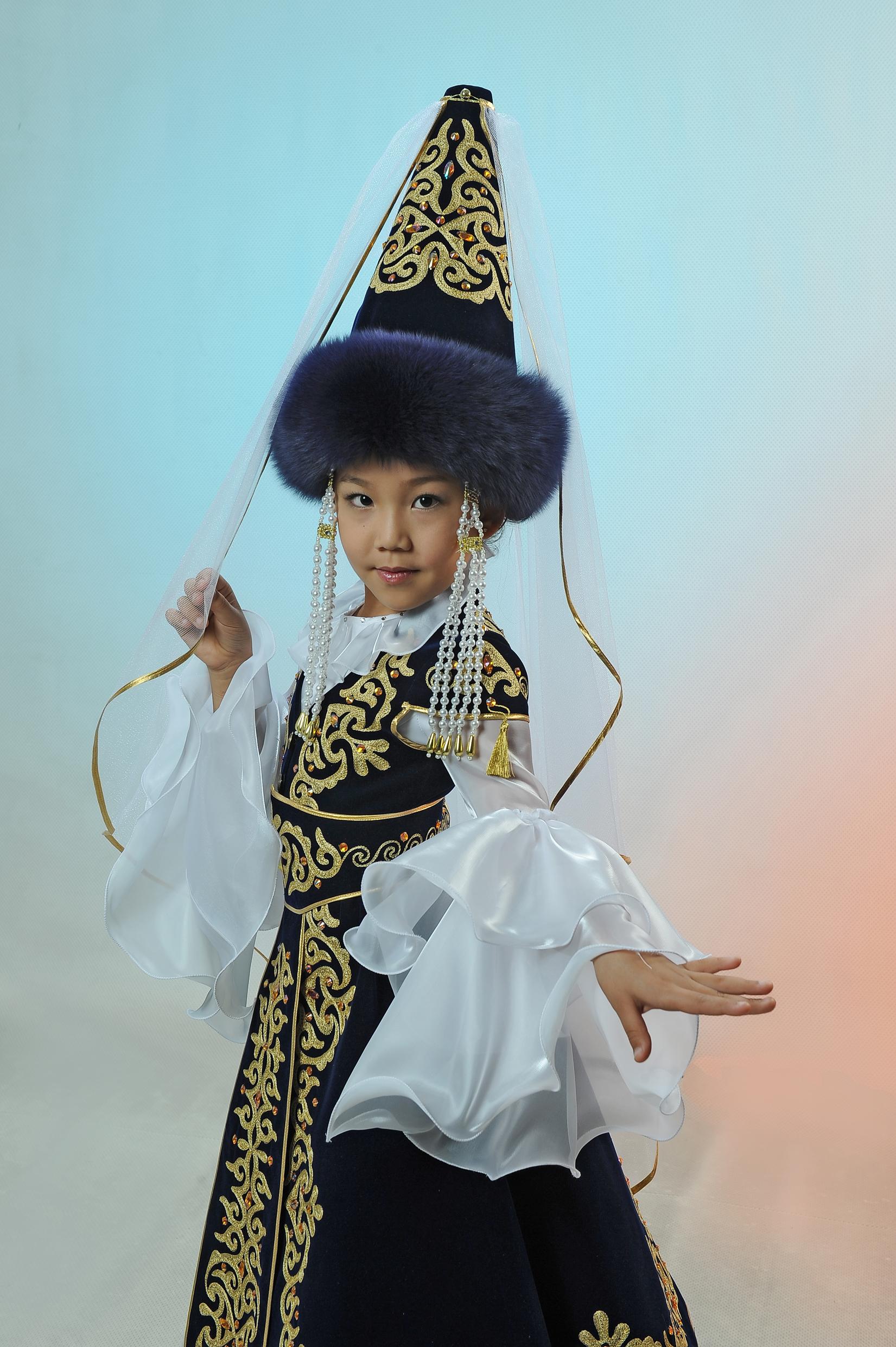 Казахский национальный костюм: описание и фото 35