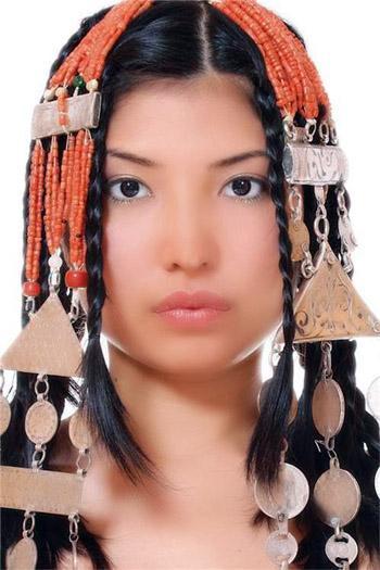 zhenshini-kirgizii