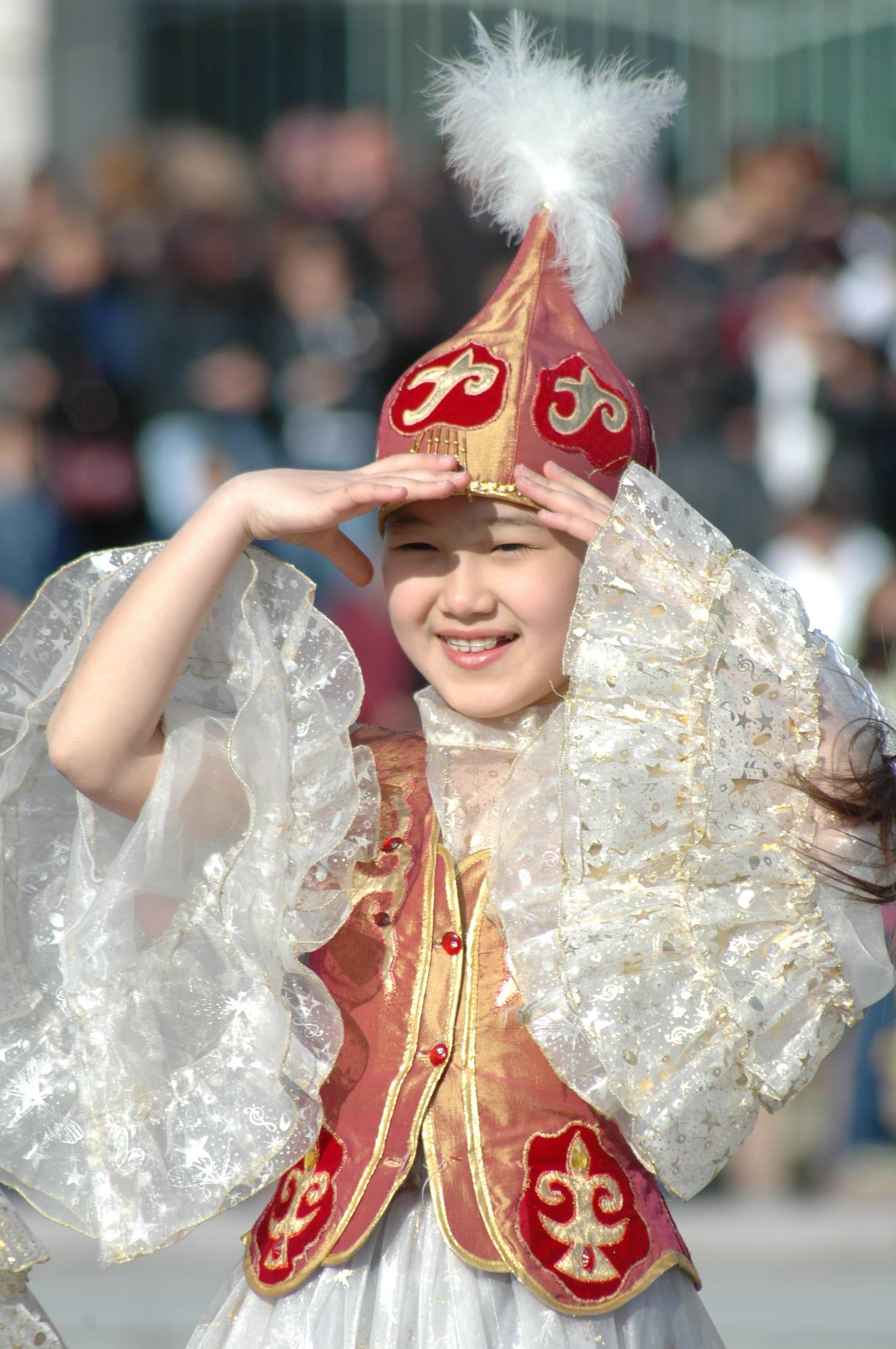 Казахские головные уборы для девушек фото