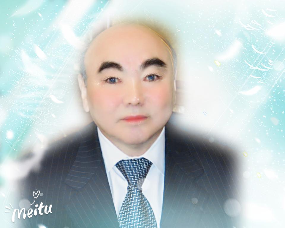 А.Акаев