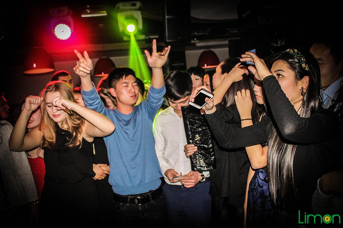 Порно видео в клубах бишкека