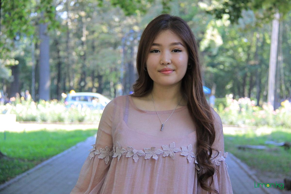 Фируза Маслянова, 19, студентка,