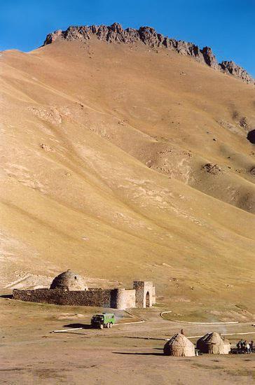 Tash-Rabat-4