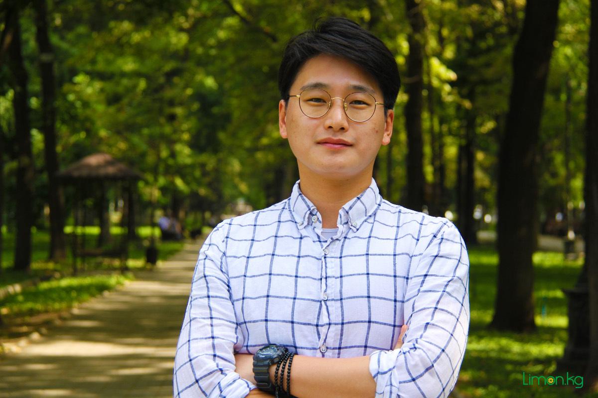 Вангук Ан,31,студент