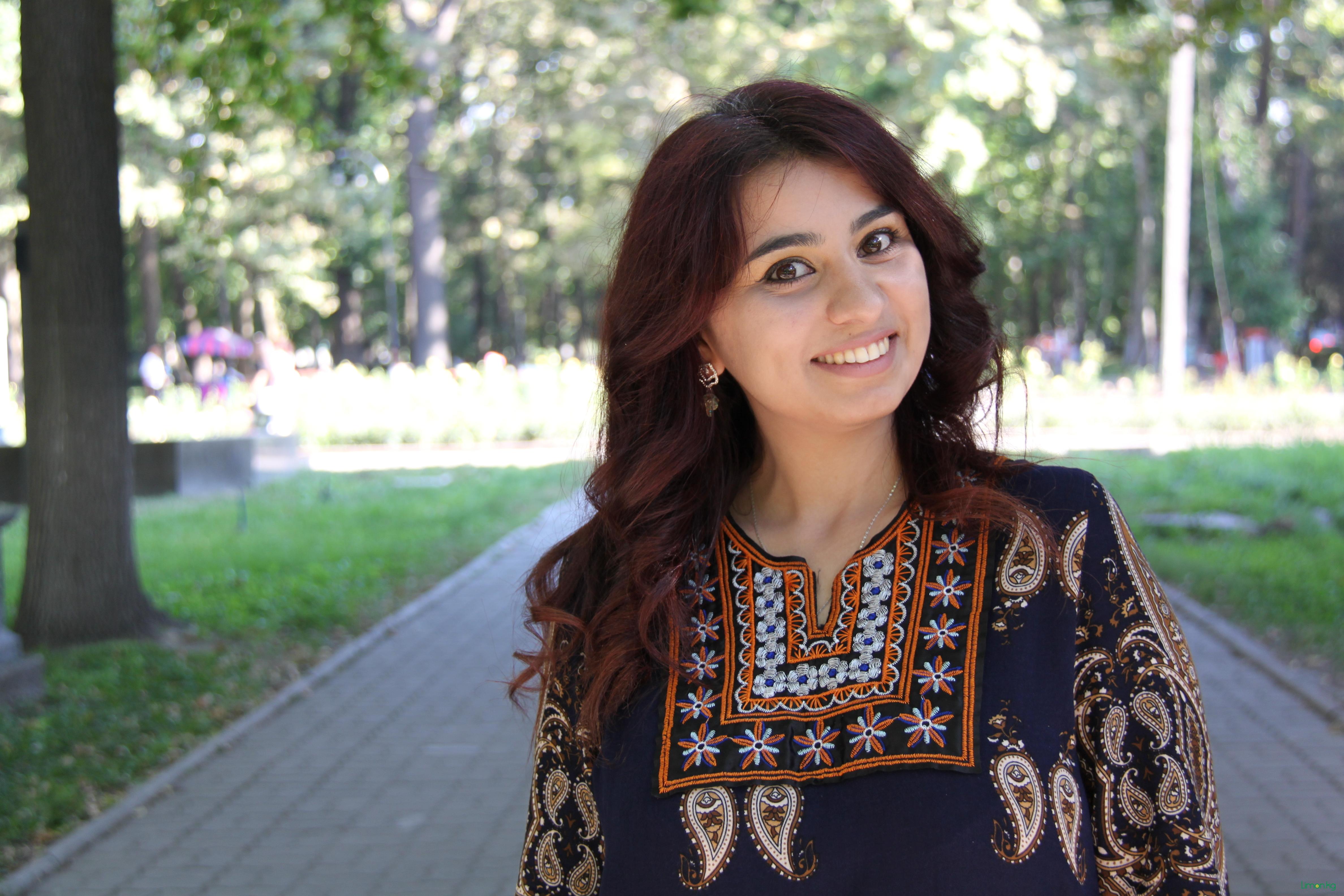 Айтакин Камарли , 26 лет, вет врач