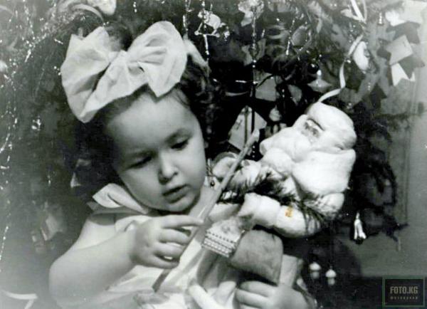 Подготовка к празднику. Фото: декабрь 1962 год