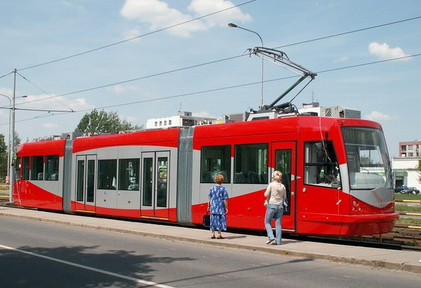 wdc-lrt-stc-inekon-trio-2013x_the-city-fix-com