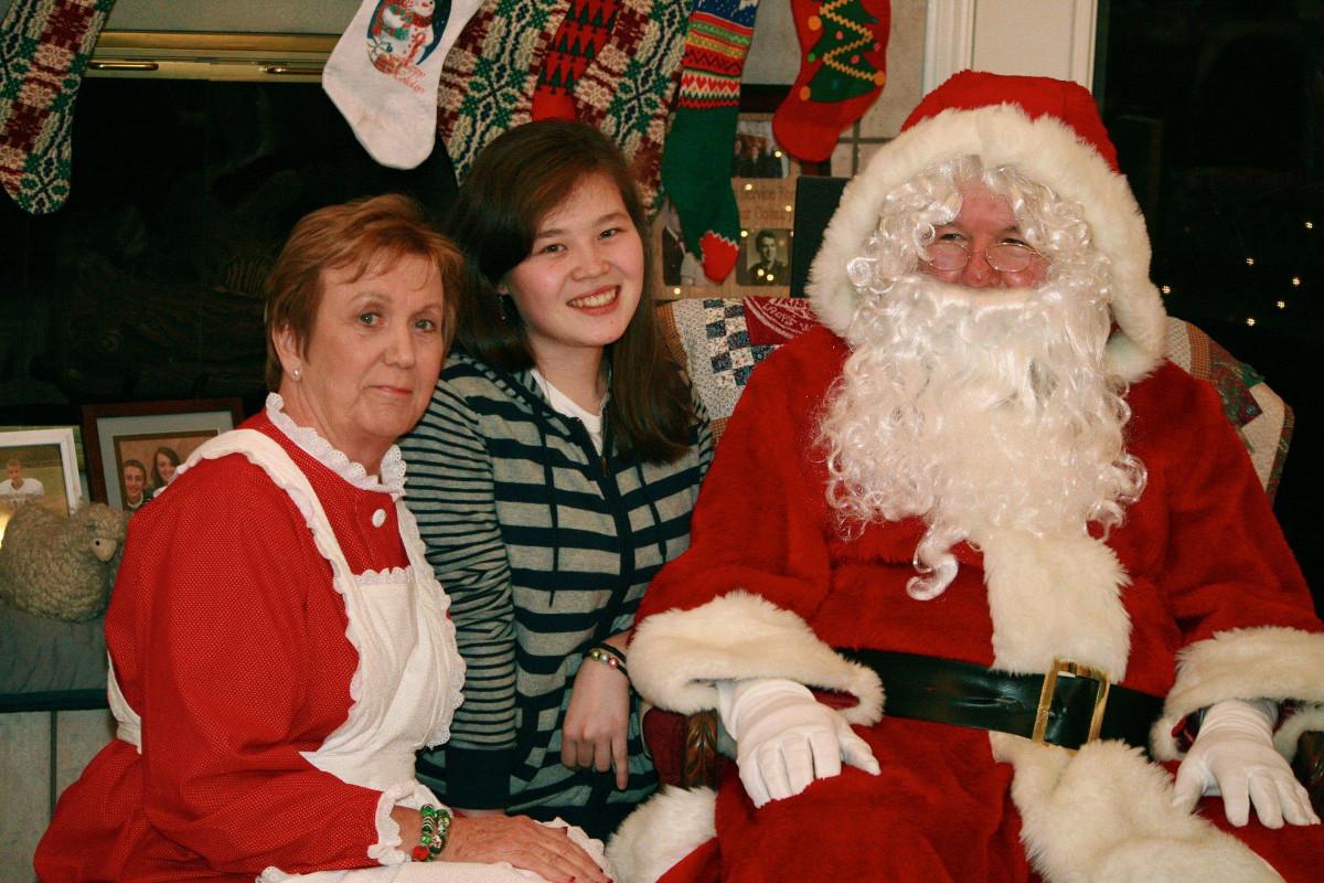 С Санта Клаусом и Мисс Клаус