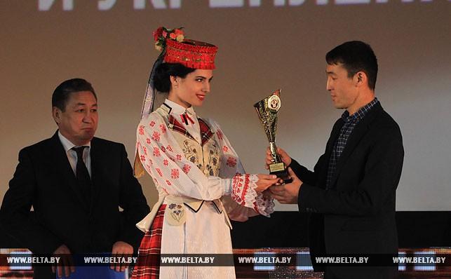 Специальный приз Исполнительного комитета СНГ «Кино без границ» 0f