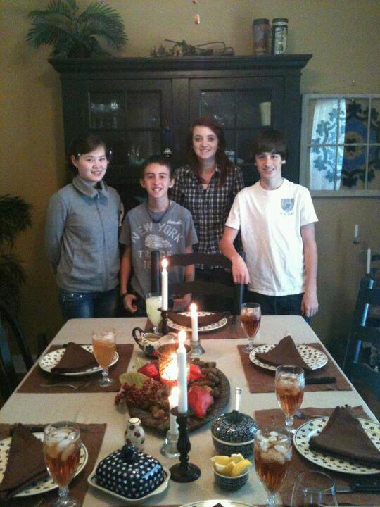 День благодарения c сестрой и братиками