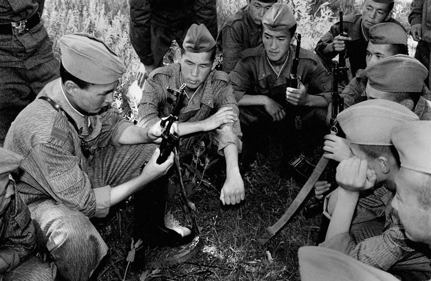 23 февраля – День защитника Отечества / Армия Кыргызстана
