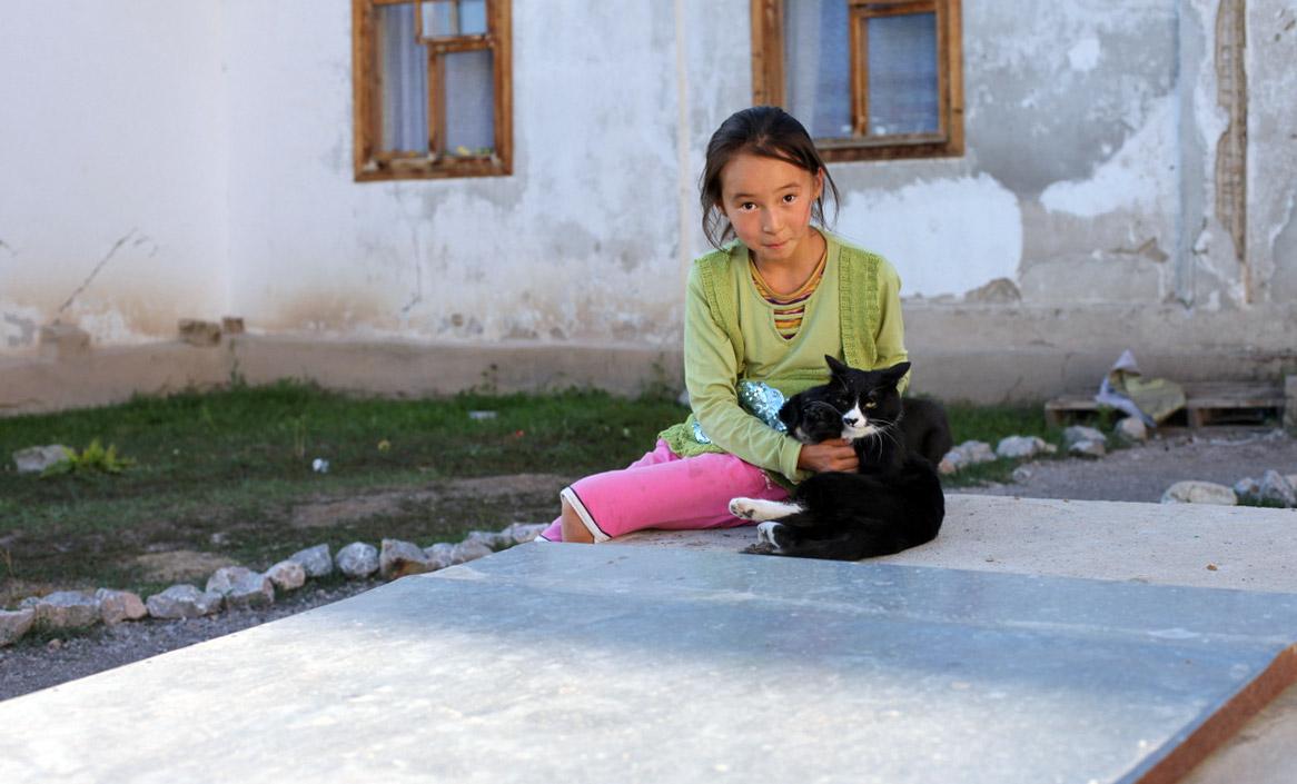Воспитанница детского дома в Кыргызстане