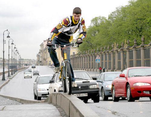 1285844389_bike11