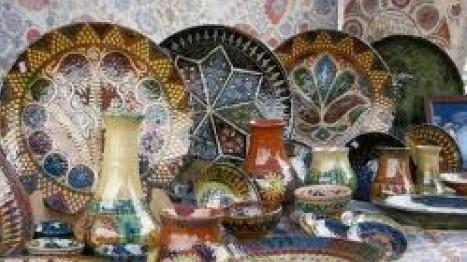 Рахмон освободил от всех видов налогов продажи продукции народных ремесел