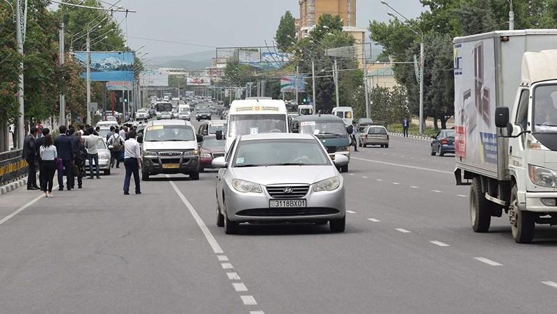Таджикистан запретит ввоз автомобилей до 2005 года выпуска с 15 февраля