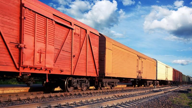 Снизились поставки продукции железнодорожным путем, так как со стороны Казахстана идет досмотр, - таможенный брокер Л.Захарова