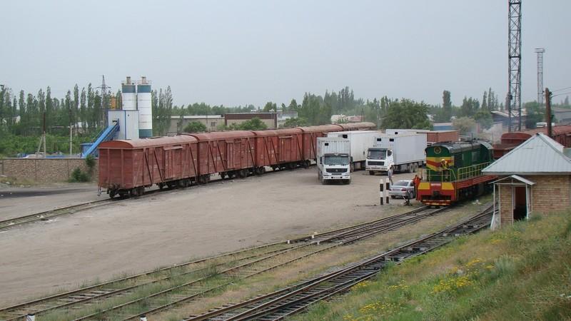 Узбекская железная дорога сделала скидку в 30% на перевозку всех видов груза из юга Кыргызстана — Tazabek