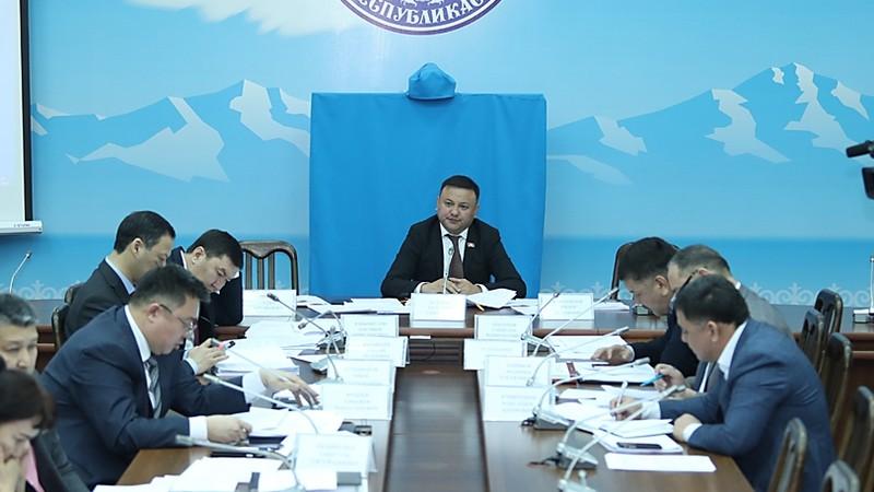 Евразийский банк развития выделит $60 млн на ремонт дороги Маданият—Жалал-Абад
