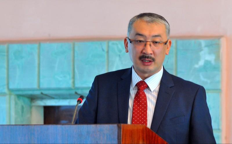 Официально нет информации о запрете Казахстаном на вывоз угля в Кыргызстан с 14 октября, 15 октября в КР поступило 606 тонн угля, - глава Госкомпромэнерго У.Рыскулов