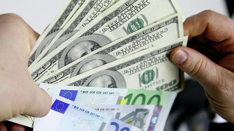 В Узбекистане утверждены новые правила ввоза и вывоза валюты