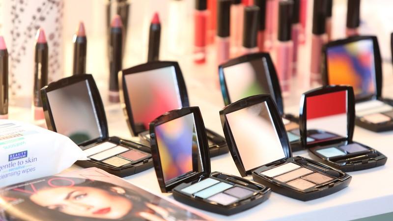Владельцы косметических и парфюмерных компаний: Кто поставляет продукцию Schwarzkopf & Henkel, Schwarzkopf Professional, Wella, Londa, GOSH COSMETICS и другие?
