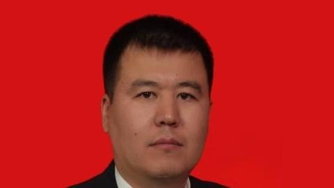 Временное исполнение обязанностей председателя Госкомсвязи возложено на Медербека Курманбекова