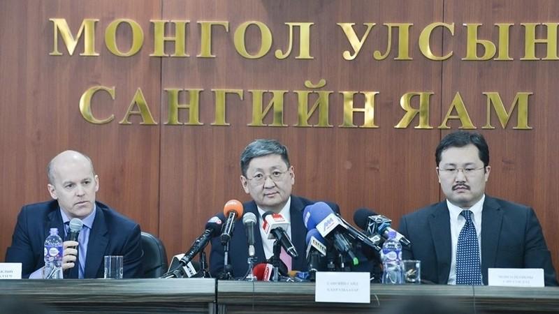 Секс монгольский видио первый день первый печь