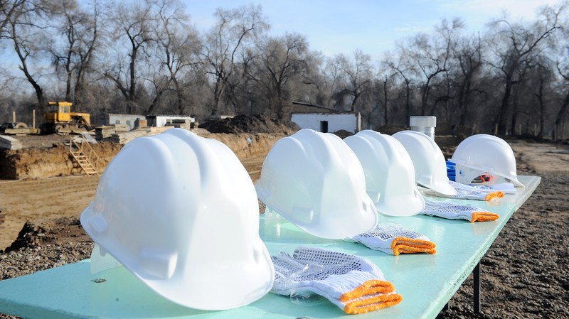 Лицензии—2017: «ЮНИС-Курулуш», «Запад Строй» и еще 148 компаний, получивших лицензии на строительство в регионах (владельцы)