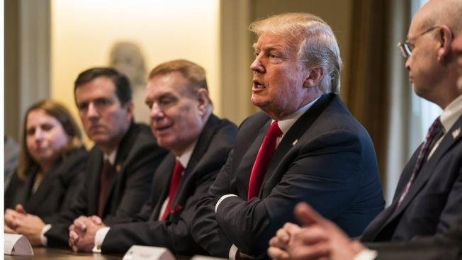Трамп объявил о введении тотальных пошлин на ввоз в США стали и алюминия