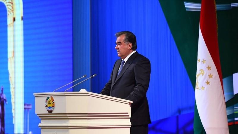 Эмомали Рахмон: Существующая банковская система тормозит экономическое развитие страны