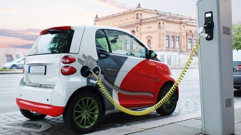 В тарифную сетку оценки автомототранспортных средств добавлены электромобили, - ГРС