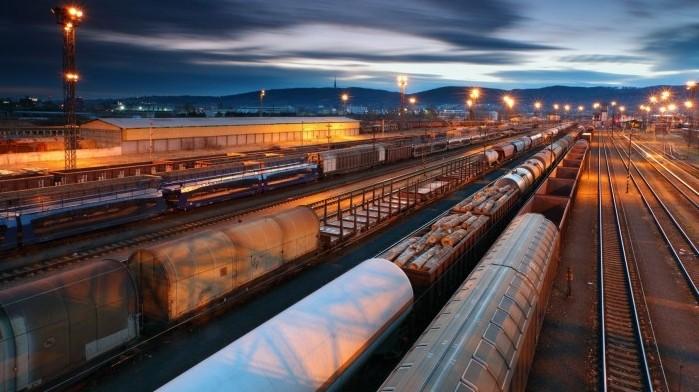 Иран начал строить железную дорогу, которая свяжет Центральную Азию с Индией