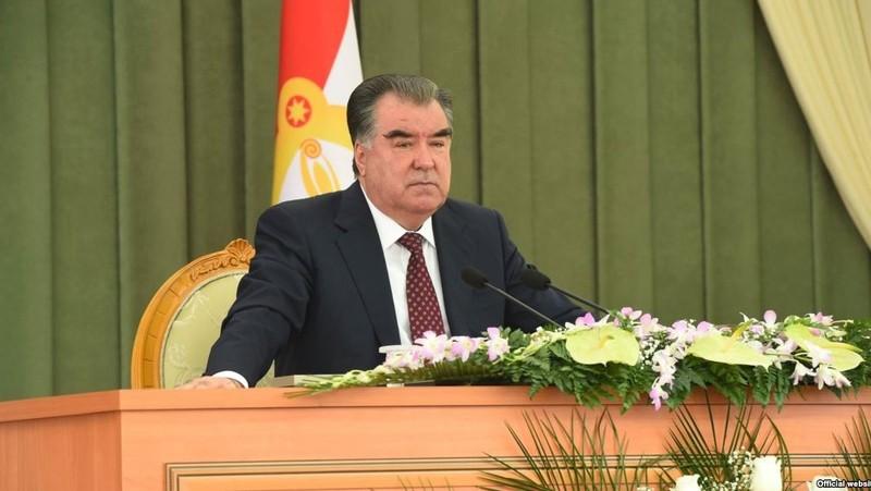 Глава Таджикистана потребовал прекратить внеплановые проверки предпринимателей