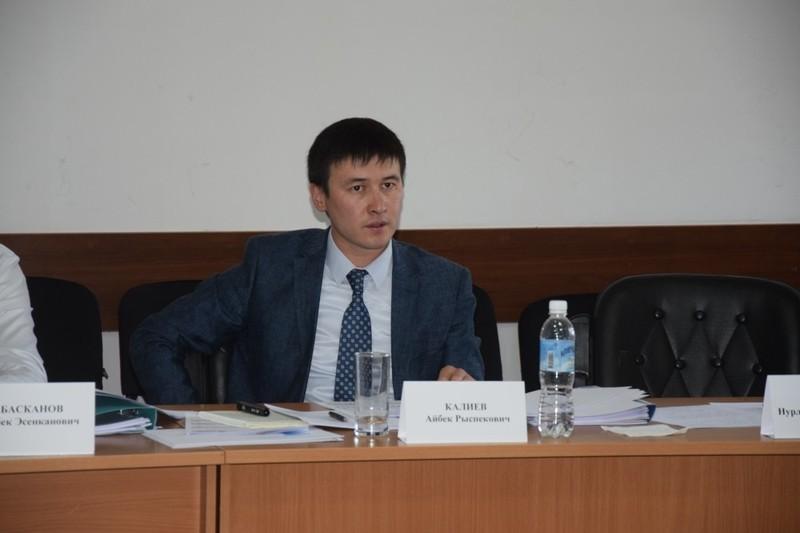 Кыргызстан экспортирует вУзбекистан 550 млн кВт/час электрической энергии