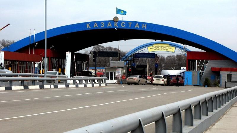 Кыргызстан и Казахстан подписали соглашение о дорожной карте, граница будет работать в обычном режиме
