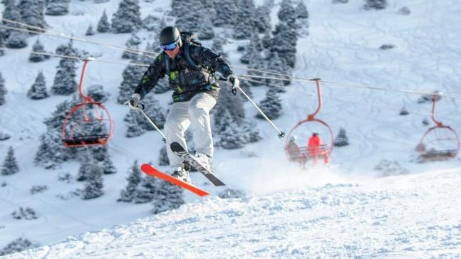 Зимний отдых в горах: Во сколько обойдется прокатиться на лыжах?(цены и условия по базам)