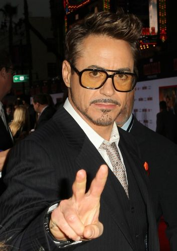 robert-downey-jr-premiere-iron-man-3-03